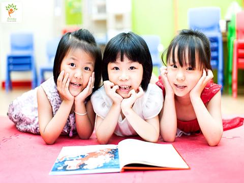 cách giúp trẻ phát triển ngôn ngữ