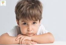 giúp trẻ phát triển ngôn ngữ và hạn chế nhại lời